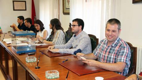 David Álvarez (IU) revalida su alcaldía sin el apoyo del PSN