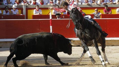 Extraordinaria corrida de Capea, que puso las orejas en bandeja a Hermoso, Leonardo Hernández y Armendáriz