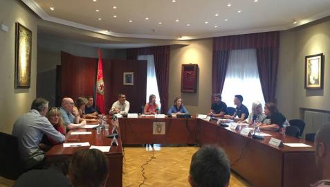 NA+ propone un acuerdo a PSN y GIH para evitar un alcalde de EH Bildu en Huarte