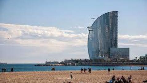 Hallado el cadáver de una mujer en la playa de la Barceloneta
