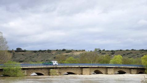 Imágenes de las inundaciones en los términos de varias localidades de la Zona Media como Falces, Miranda de Arga y Larraga.