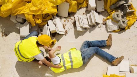 Simulación fotográfica de un accidente laboral.