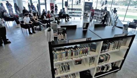 La Biblioteca de Navarra abre el telón