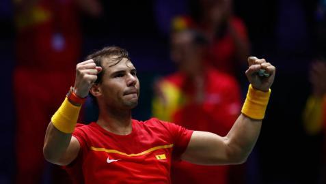 Rafa Nadal celebra la victoria de su partido contra Daniel Evans en la semifinal de la Copa Davis