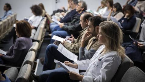 Asamblea de médicos en en el Complejo Hospitalario de Navarra.