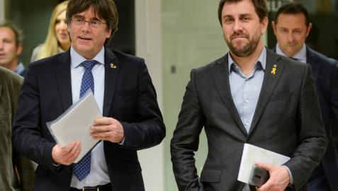 La Eurocámara levanta la prohibición de acceso a Puigdemont y Comín