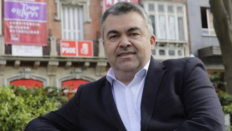 """Santos Cerdán León: """"Queremos gobiernos progresistas aquí y en España y 'Navarra Suma' no lo es"""""""