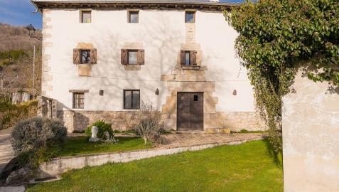 Descubre Sorguinetxe, casa palaciega del S.XVII a la venta en Larraona, un lugar idílico para disfrutar de la naturaleza