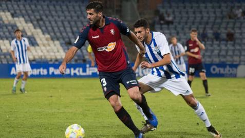 El central Raúl Navas debutó el miércoles pasado con Osasuna en el Colombino.