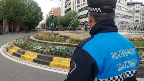 Un policía municipal, en Pamplona.