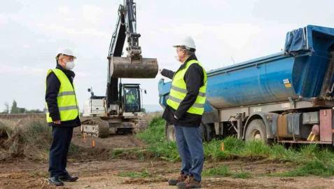 Las obras del Canal de Navarra se reactivan a su paso por Peralta