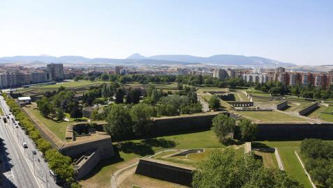 Visitando las murallas de la Ciudadela de Pamplona