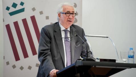 """José María Carrera: """"Un médico también cura por lo que dice y la forma en que lo dice"""""""