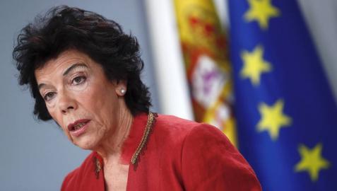 La portavoz del Gobierno, Isabel Celaá, durante la rueda de prensa tras el Consejo de Ministros.
