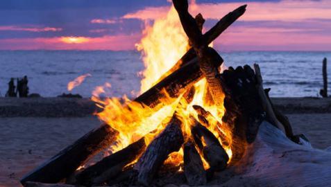 ¿Cuál es el origen de las hogueras de San Juan?