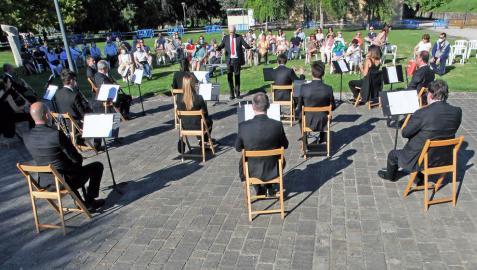 Casi cuatro meses después de su último concierto, la banda municipal volvió a reencontrarse con su público