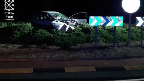 Un herido grave al salirse su coche de la carretera en la travesía de Mendavia