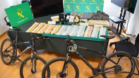 Piden hasta 5 años de cárcel por atracar un banco en Larraintzar con un hacha