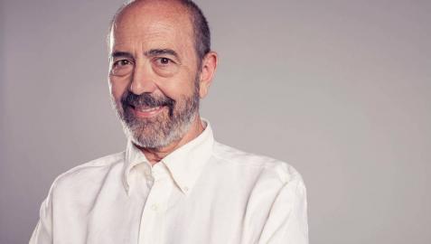 """Miguel Rellán: """"Los actores somos funambulistas, en cada función tienes que cruzar de un lado a otro sin caerte"""""""