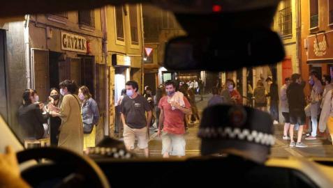 Todas las fotos del dispositivo de vigilancia de la Policía Nacional durante la noche del viernes, 24 de julio, en Pamplona