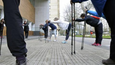 Marcha nórdica y ejercicio para mayores de 40 años, apuestas del Ayuntamiento de Pamplona
