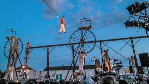 El Festival de las Murallas acaba este miércoles con un espectáculo de acrobacias