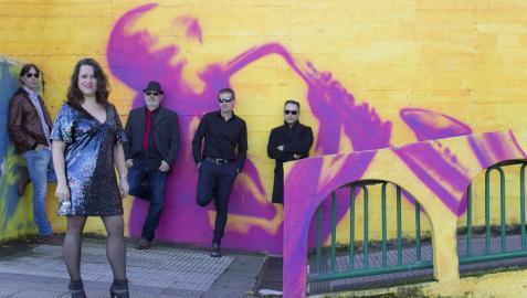 Funk, disco y rock and roll, en el palacio de Ezpeleta con The Mirrorballs