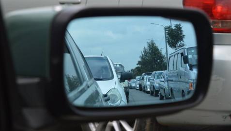 Cómo evitar un choque en cadena durante un atasco de tráfico