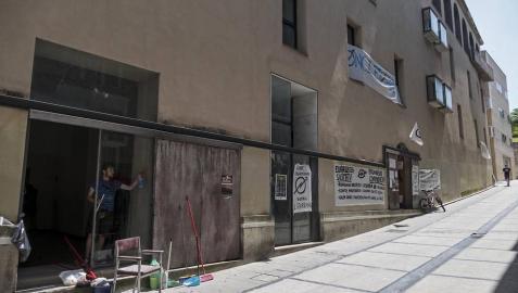 Okupas se instalan en la planta baja del Hospital Viejo de Estella