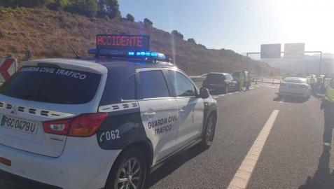 Dos heridos leves en una colisión múltiple a la altura de Puente la Reina