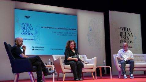 De izquierda a derecha: Luis Alegre, Charo López y Javier Gutiérrez, durante el diálogo celebrado este sábado.