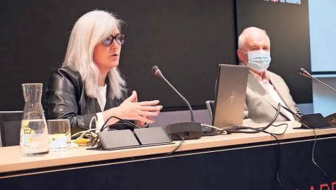 Arantza Magunagoitia, directora técnica de Datalab Research, y Miguel Pozueta, director gerente del IND.