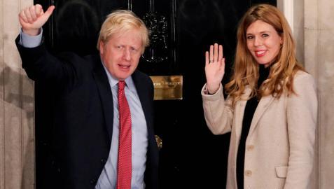 Boris Johnson y Carrie Symonds serán padres a principios del verano