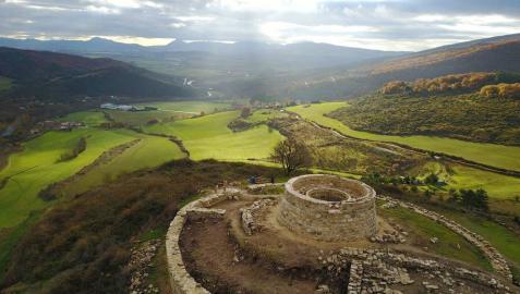 Concluye la consolidación del castillo de Garaño en Ollo