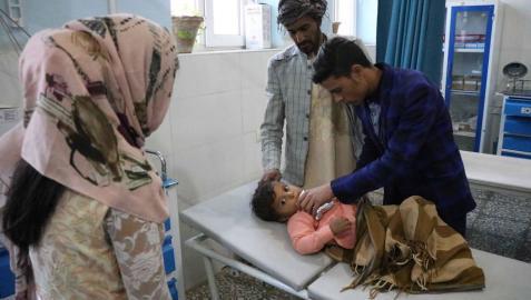 Una ofensiva talibán causa al menos 35.000 desplazados en el sur de Afganistán