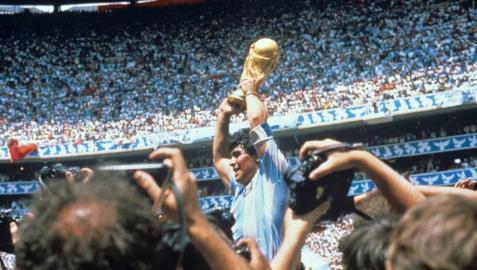 Diego Armando Maradona, futbolista y mito