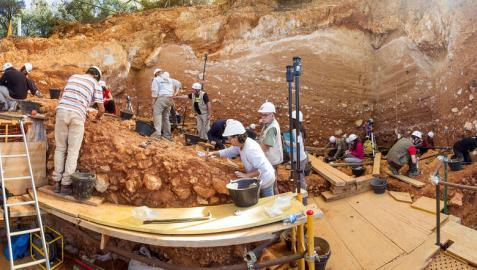 Panorámica de la excavación del yacimiento de Dolina en Atapuerca.