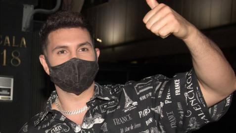 Cancelan un concierto de Omar Montes por negarse a usar mascarilla en un acto