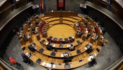 El Parlamento de Navarra pide al Gobieno central crear plazas de fiscales