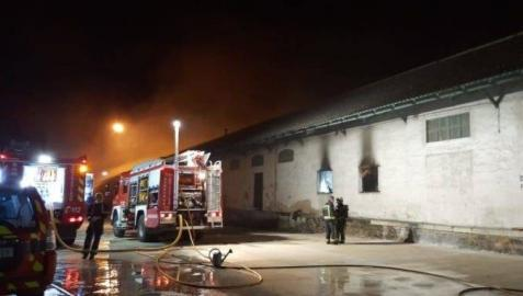 Investigan las causas del incendio en la estación de Renfe de Pamplona