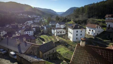 Calles, paisajes, rincones y todas las vistas posible de Roncal, localidad del pirineo navarro.