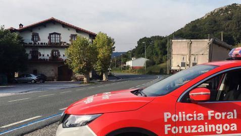 Control de tráfico de la Policía Foral en la N-121, en Ventas de Arraitz.