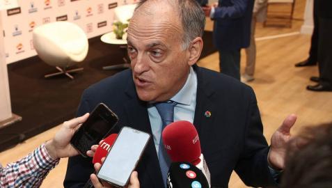 El presidente de LaLiga, Javier Tebas, responde a los medios de comunicación