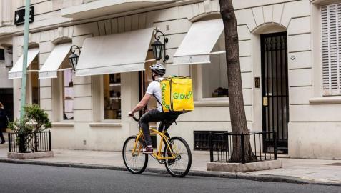 Carrefour se alía con Glovo para hacer entregas en 30 minutos en España, Francia, Italia y Argentina