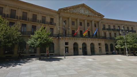 Imputado un joven por tratar de entrar a robar escalando en el Gobierno de Navarra