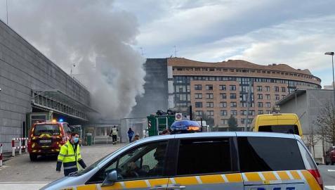 Desalojado el Carrefour de Mendebaldea por un incendio