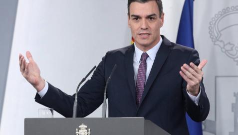 Pedro Sánchez, a su llegada a la rueda de prensa tras la primera reunión del consejo de ministros