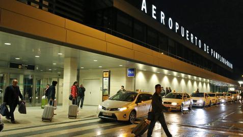 Sólo el 7% de los navarros está satisfecho con el aeropuerto de Noáin