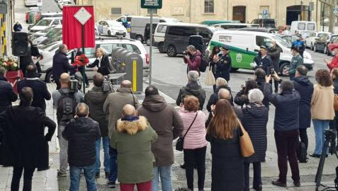 Pamplona recuerda a 4 víctimas de ETA con placas en el lugar de los atentados