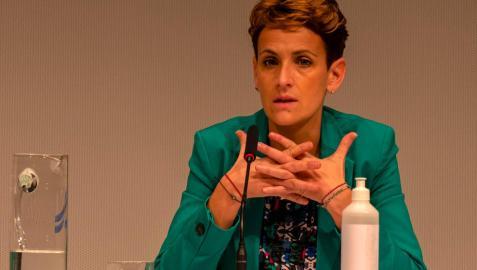 """María Chivite: """"Habrá que reorganizar servicios, pero no se quitarán especialidades del hospital"""""""